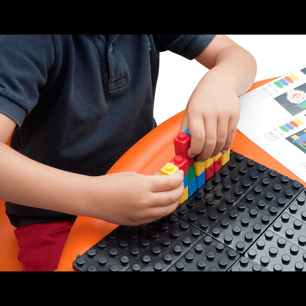 montaje piezas horizontal mosaico pixel color
